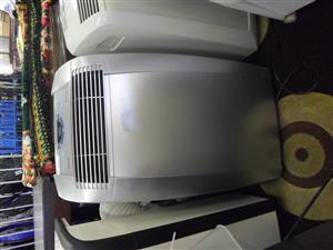 De Longhi Pinguino 14000BTU Air Conditioner