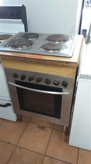 Kelvinator hob and oven set