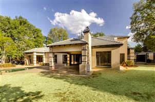 HUGE 4 BED FAMILY HOME in LYNNWOOD RIDGE, PTA EAST