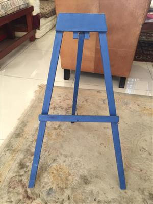 Blue Kiddies / display Easel - perfect for the aspiring artist - or for table top use