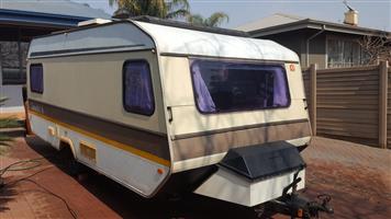 Caravan , Caravette 6 , 1985 weight 700KG