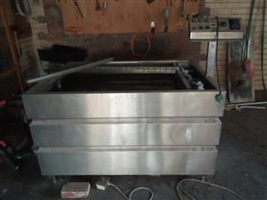 Hydrographic dipping tank (bath)