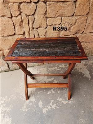 Small Sleeper Table (695x395x680)
