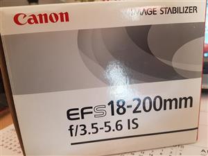 Canon 18-200 EFS Lens
