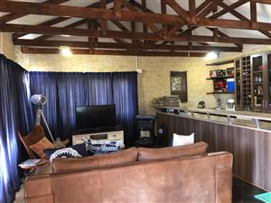 Garden cottage for rent in Mooikloof Equestrian Estate