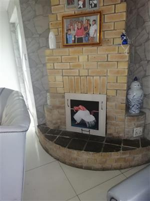 5 Bedroom House For Sale in Tuscany Glen