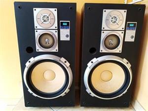 "Big 12"" Sansui hifi speakers in a awsome condition"