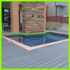 Swimming pool and lapa
