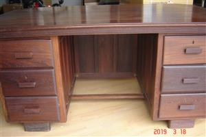 executive partridge wood desk