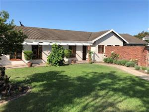 Beautiful, secure, modern farm style house for rent in Ashburton, Pietermaritzburg avail end Dec