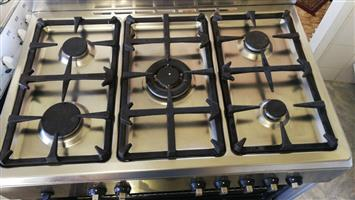 Defy electric oven 5 burner gas top