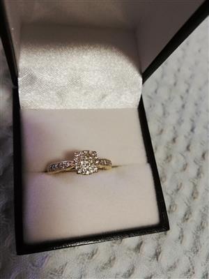 18CT Gold Diamond Ring