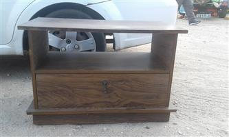 TV stand in good condition delivery can be arranged