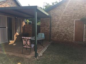2 Bedroom Townhouse To Let in Oaklands, Equestria