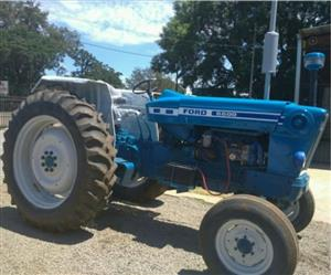 S2846 Blue Ford 6600 2x4 Pre-Owned Tractor