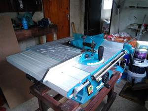 Selling a Makita Mlt100 bench saw