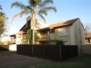 FOR SALE: 1 BEDROOM APARTMENT IN DIE HOEWES, CENTURION