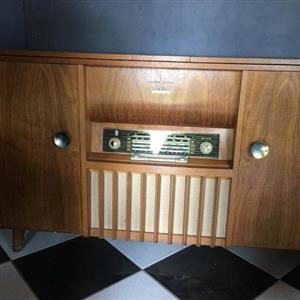 Retro Record Player in Wooden cabinet