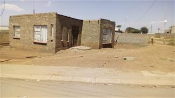 House for SALE in Orange Farm Ext2 -CASH BUYERS ONLY