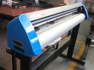 V3-1313B V-Smart Contour Cutting Vinyl Cutter 1310mm Working Area, Stand & Collection