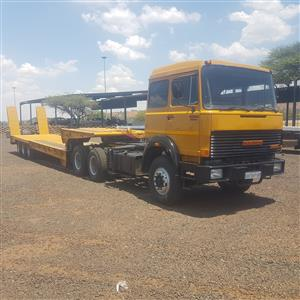 260-32  IVECO  HORSE  MET  3  AS  LOWBED  TRAILOR  BEAVERTAIL   IF  YOUY  MIS  THIS  ONE  YOU  MIS  A  GREAT  TRUCK