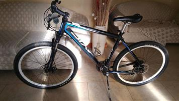 AXIS A80 MOUNTAIN BICYCLE: NEGOTIABLE