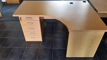 Oak desk with drawers (5 units available)