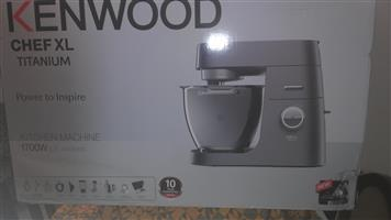 Kenwood Chef XL TITANIUM MODEL KVL8482S NEVER USED STILL IN ORIGINAL PACKAGE too big for my use