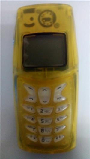 Nokia 5210 - Cellphone x 2