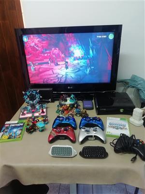 XBOX 360 SLIM 250GB RGH(JTAG) + TV + OVER 1000 GAMES - MASSIVE BUNDLE!!!!