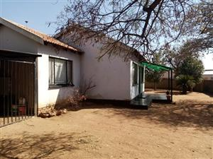 2 BEDROOMS HOUSE FOR SALE SOSHANGUVE GG  R350 000.00 CALL SOPHY