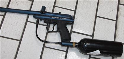 S034635A Spyder victor paint ball gun with gas bottle #Rosettenvillepawnshop