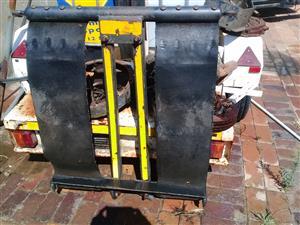 Tow truck equipment