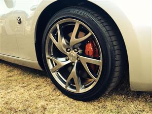Nissan 370Z OE refurbished mag wheel, like new.