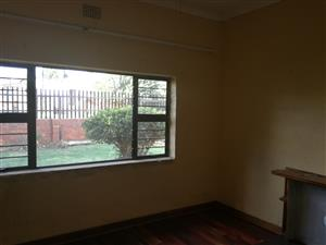 Room to Let in Roodepoort