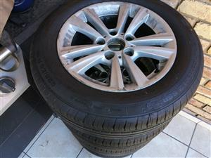 Bmw 16 inch one rims with Conti run flats