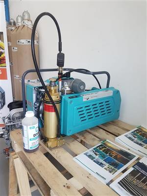 Diving cylinder compressor with certificate