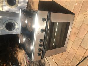 Hob (4 plate) and oven