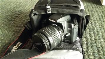 Canon EOS 1000D Digital Camera with 1 lens and Canon camera bag. R1500