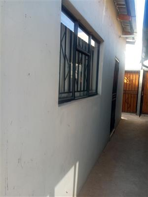 Room to Rent in Vosloorus ext 6