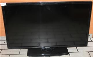 S034464 Phillips 42 inch LCD tv with remote #Rosettenvillepawnshop
