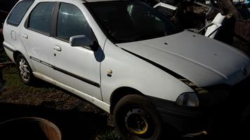 Fiat Palio Weekend (stationwagon) stripping for spare parts