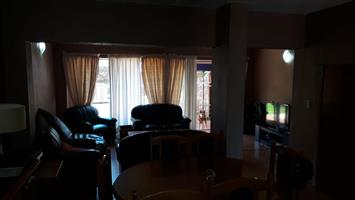 Townhouse to rent in Wilropark Roodepoort