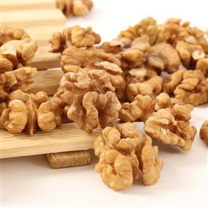 CASHEW NUTS,PEANUTS,WALNUTS,CALIFORNIAN ALMOND NUTS CRACKED KERNELS ETC BEST GRADES FOR BEST PRICE