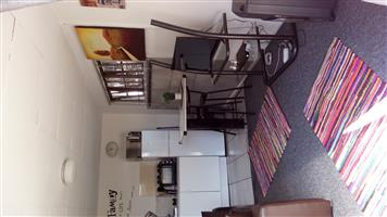 Fully Furnished Flat for Rent (Bachelors) in Glen Marias-R5000.00 incl W/Light, Covered parking