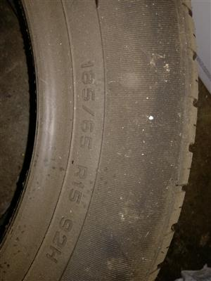 2 brand new tyres 185/65  R15