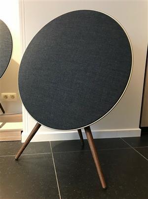 Customisable design Bang & Olufsen Beoplay A9 MK3 Black Bluetooth speaker