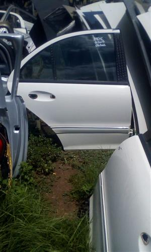 MERCEDES W203 RIGHT REAR DOOR SHELL - USED GLOBAL