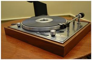 Connoisseur Turntable