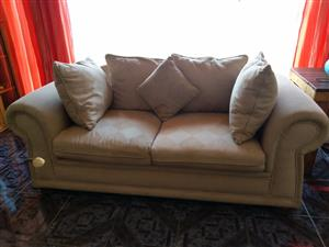 Calgan Lounge suite for sale